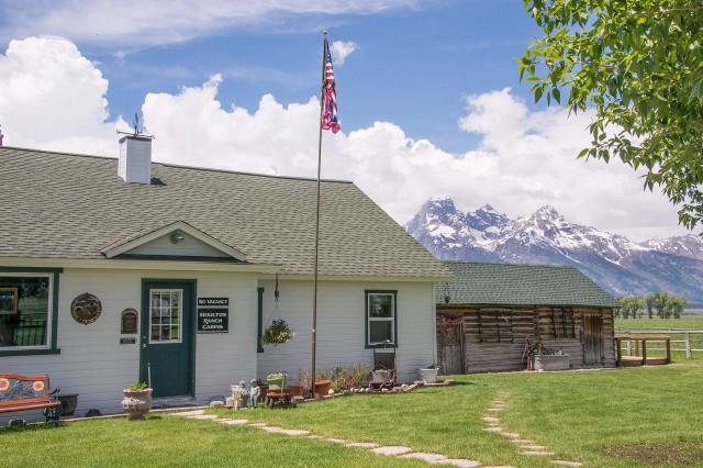 Grand teton national park rental cabins jackson hole for Teton cabin rentals