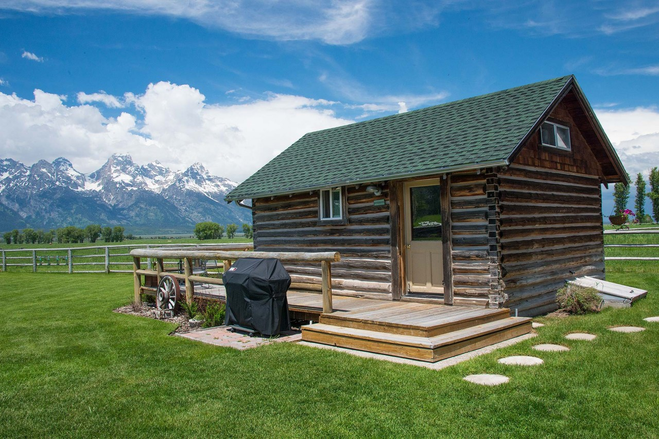 85 home rentals yellowstone national park ditch for Cabin yellowstone park
